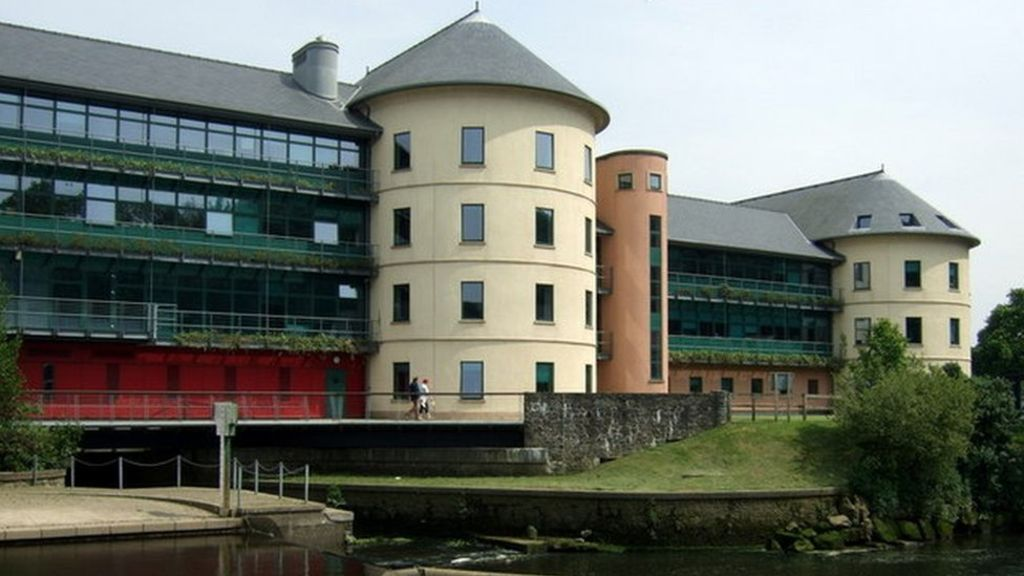 Pembrokeshire residents should check they are registered to vote as election looms – The Pembrokeshire Herald