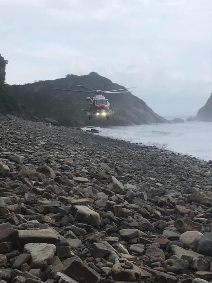 Casualty airlifted from Monkstone beach – The Pembrokeshire Herald